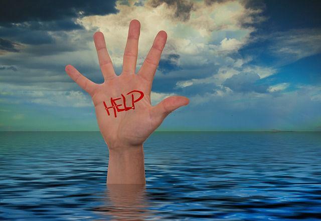 Hukkuvien tai hukkumisriskissä olevien havaitseminen konenäkösensorien ja tekoälyn avulla