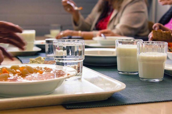 Hukkalounas -  koulun lounaitten ylijäämäruoka alueen vähävaraisille asukkaille