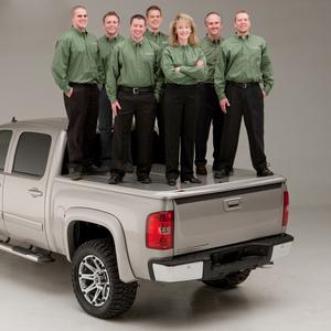 UnderCover UC4066S SE Smooth Tonneau Cover Fits 05-15 Tacoma