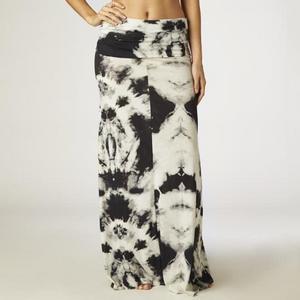 Fox Free Fallin Skirt (Black, Medium)