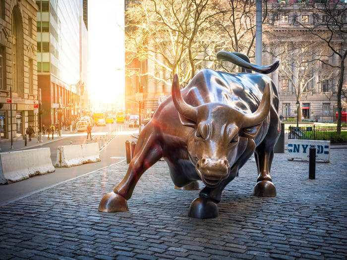 Image of bull statue on Wall Street.