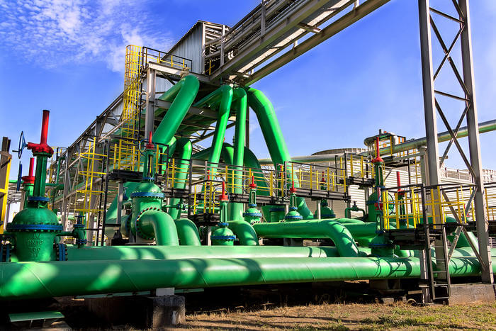 Image of an oil refinery.