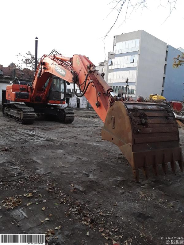 Picture of a DOOSAN DX300LC-3