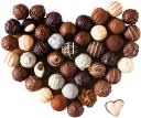 шоколад, шоколадное сердце, шоколадные конфеты в виде сердца, шоколадные конфеты с начинкой, ассорти из шоколадных конфет, chocolate heart, chocolate candy in a heart-shaped chocolate candy with fillings, assorted chocolates, schokolade, schokoladenherz, praline in einem herzförmigen praline mit füllungen, pralinen, chocolat, coeur de chocolat, bonbons au chocolat dans un bonbon de chocolat en forme de coeur avec des obturations, chocolats assortis, corazón de chocolate, dulces de chocolate en un caramelo de chocolate en forma de corazón con rellenos, chocolates surtidos, cioccolato, cuore di cioccolato, caramelle al cioccolato in un cioccolatino a forma di cuore con otturazioni, cioccolatini assortiti, chocolate, coração do chocolate, doces de chocolate em um chocolate em forma de coração com recheios, chocolates sortidos