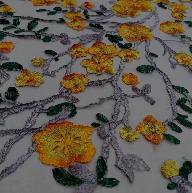 Tecido Tule Bordado Floral Amarelo