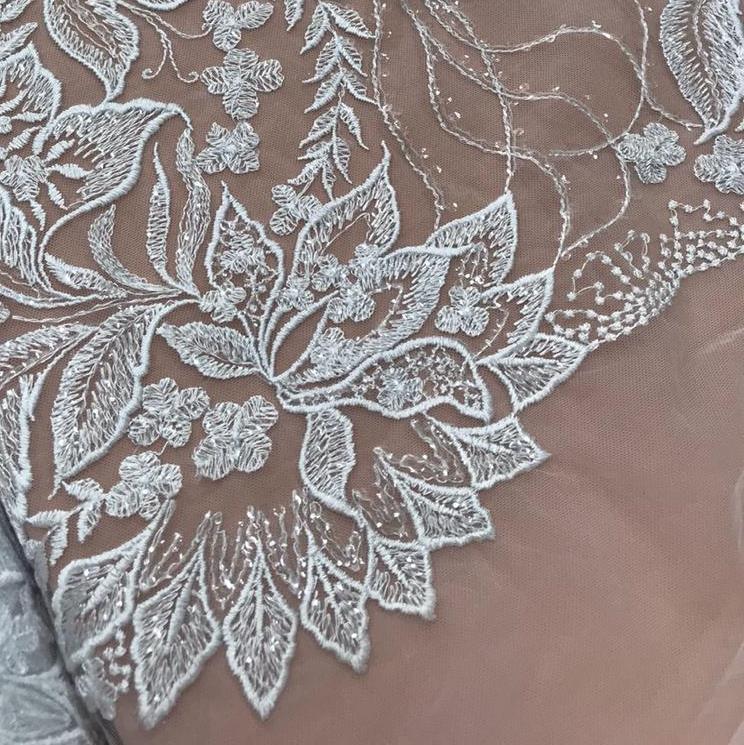Tecido Tule Bordado Folhas com Paetê Transparente