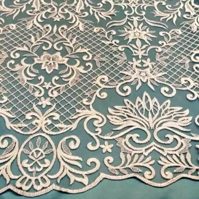 Tecido Tule Bordado Arabesco Branco (Rede)