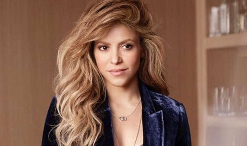 e6eebdad4409 Shakira muestra su talento como diseñadora en diminuto bikini - MVS ...