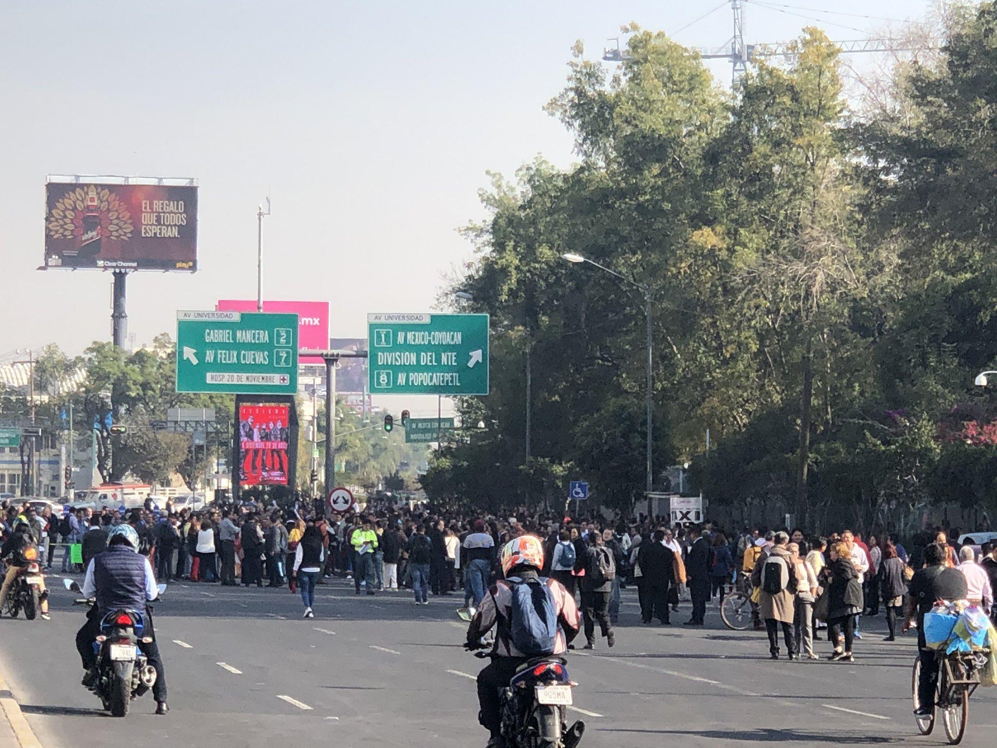 Desquician Tráfico Vehicular Empleados De La Sep Mvs Noticias