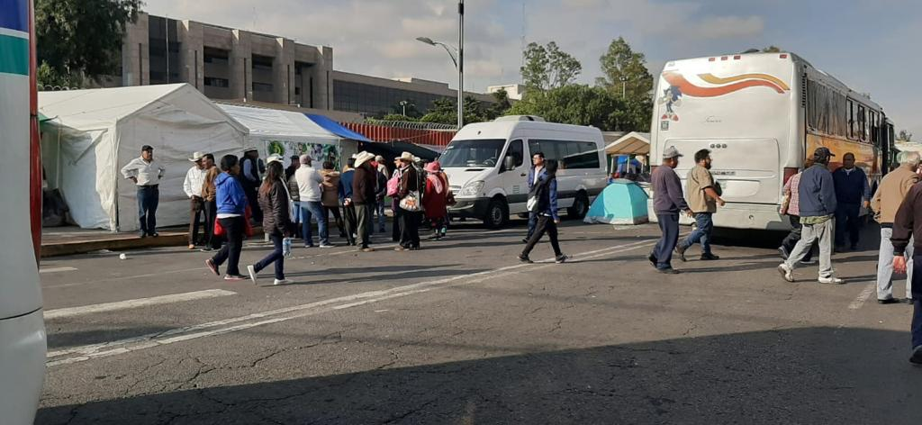 Campesinos cierran por completo San Lázaro - MVS Noticias