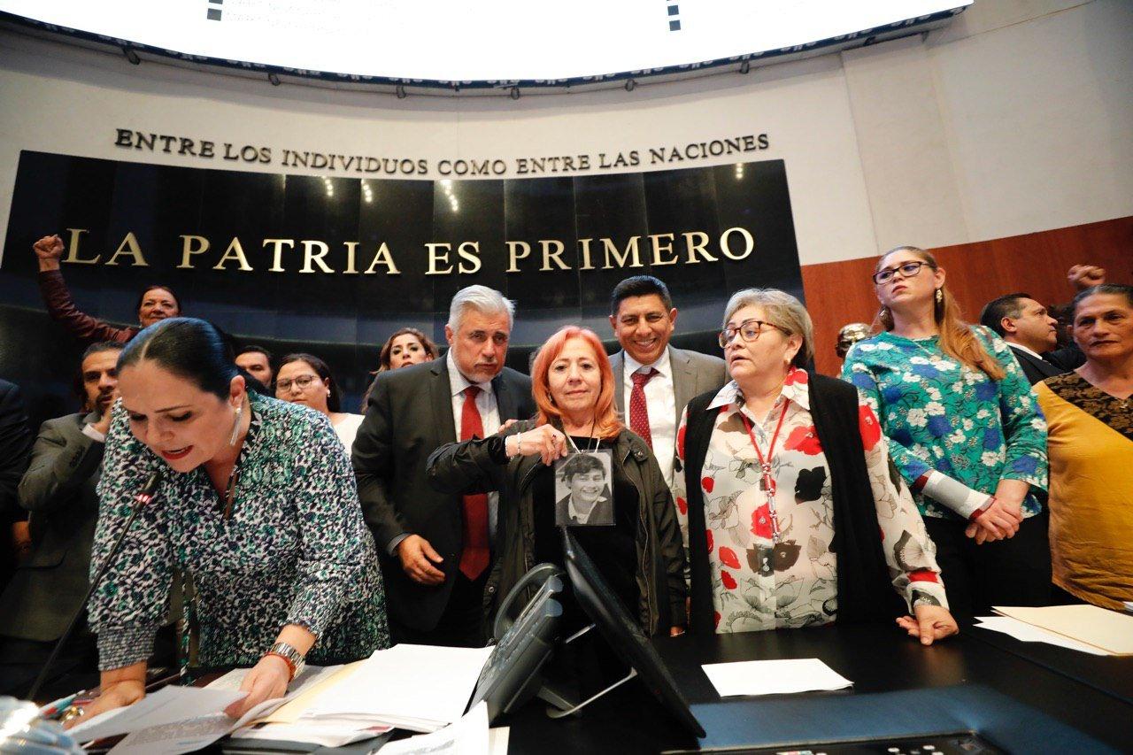 Entre jaloneos rinde protesta Rosario Piedra Ibarra - MVS Noticias
