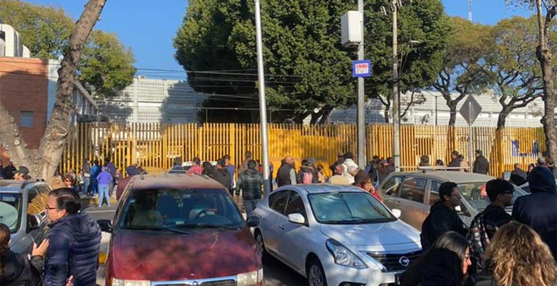 Padres De Familia Bloquean Avenida Insurgentes Mvs Noticias