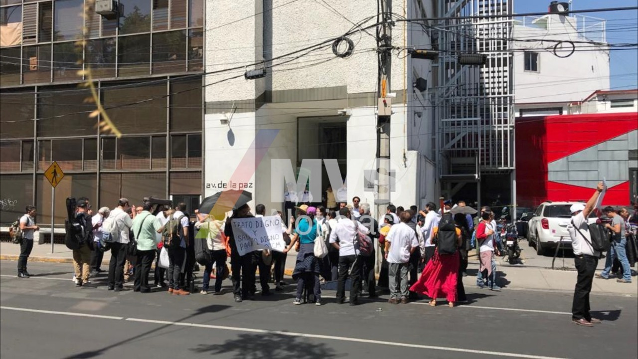 personas sede protesta