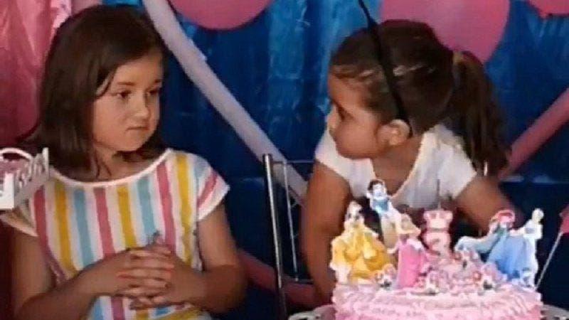 personas niñas pastel