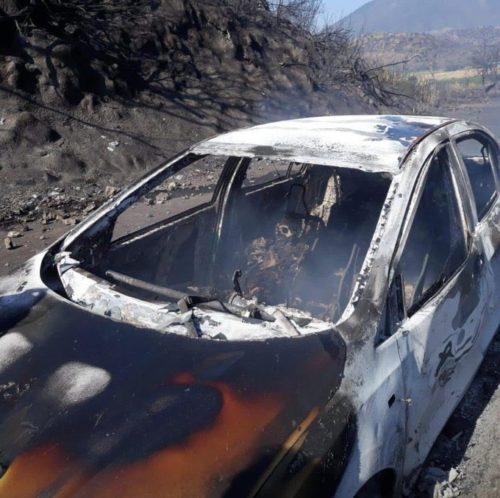 El accidente dejó varios autos quemados / Foto: Twitter @_OscarPeraza