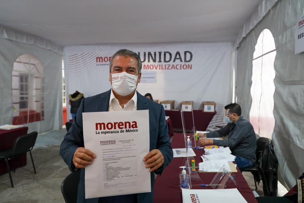 Raúl Morón registra aspiración para ser candidato de Morena a gobierno de Michoacán | MVS Noticias