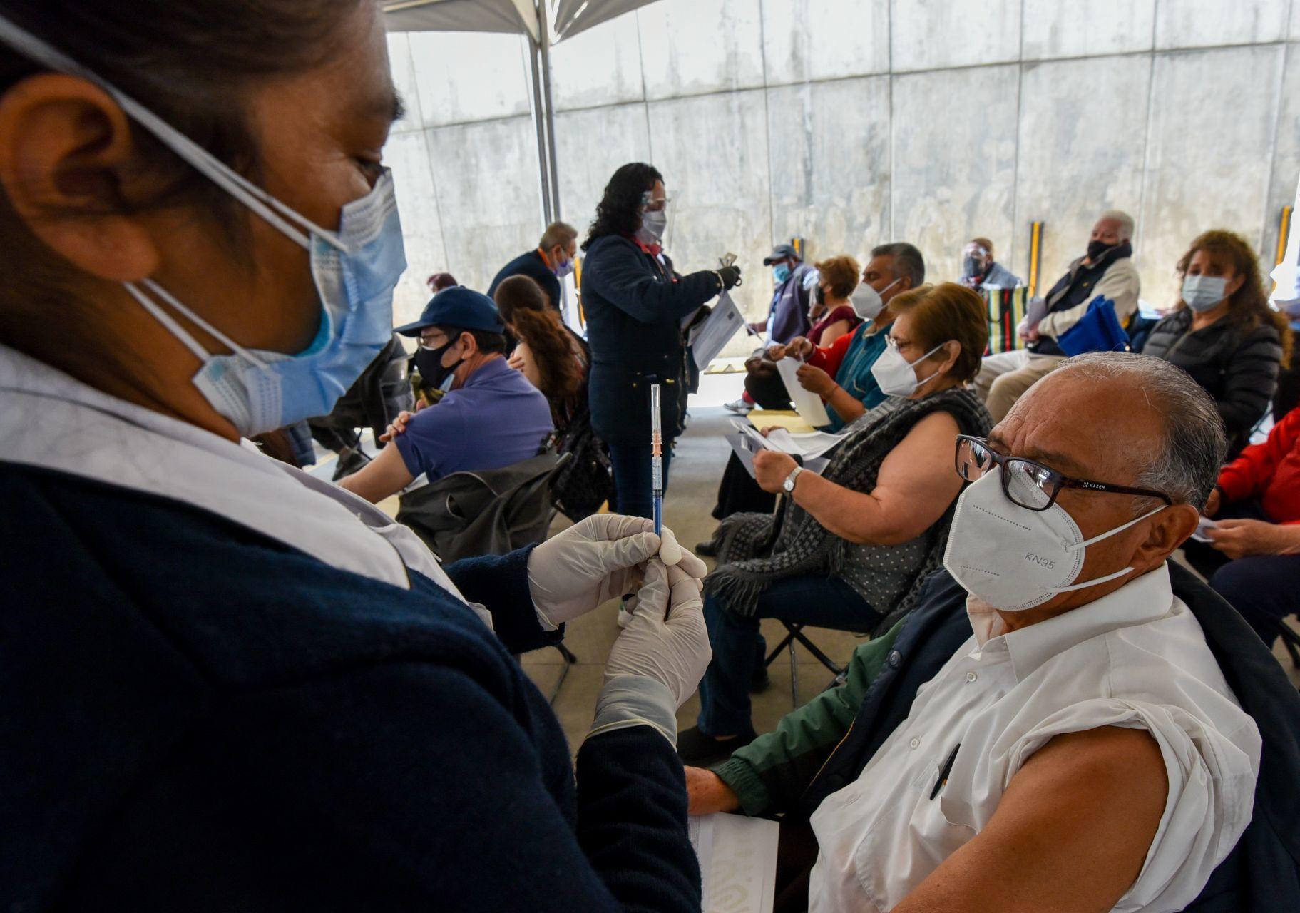 Llegan a 210 mil 294 los muertos por Covid-19 en México   MVS Noticias