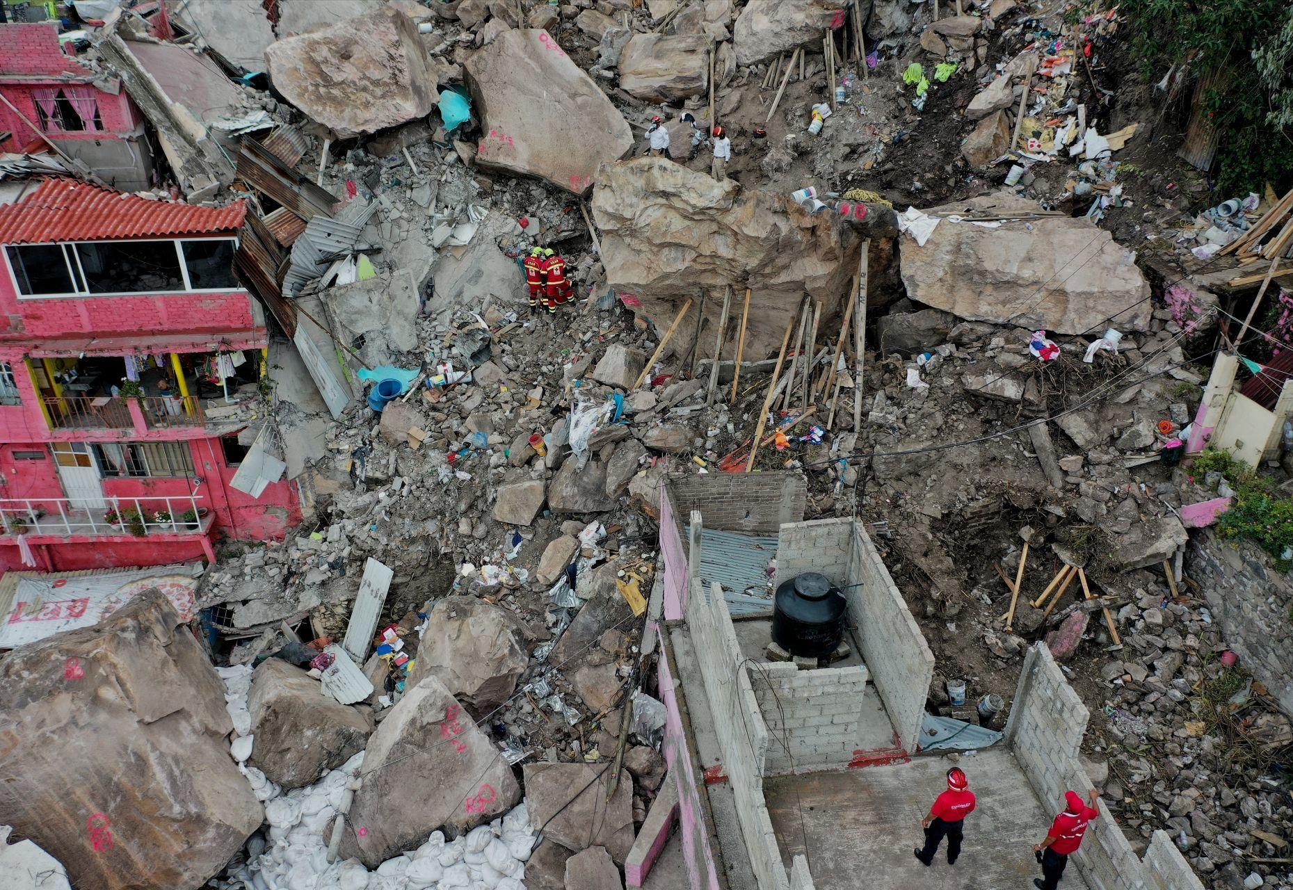 Rescate en la zona de derrumbe en el Cerro Chiquihuite/Foto: cuartoscuro