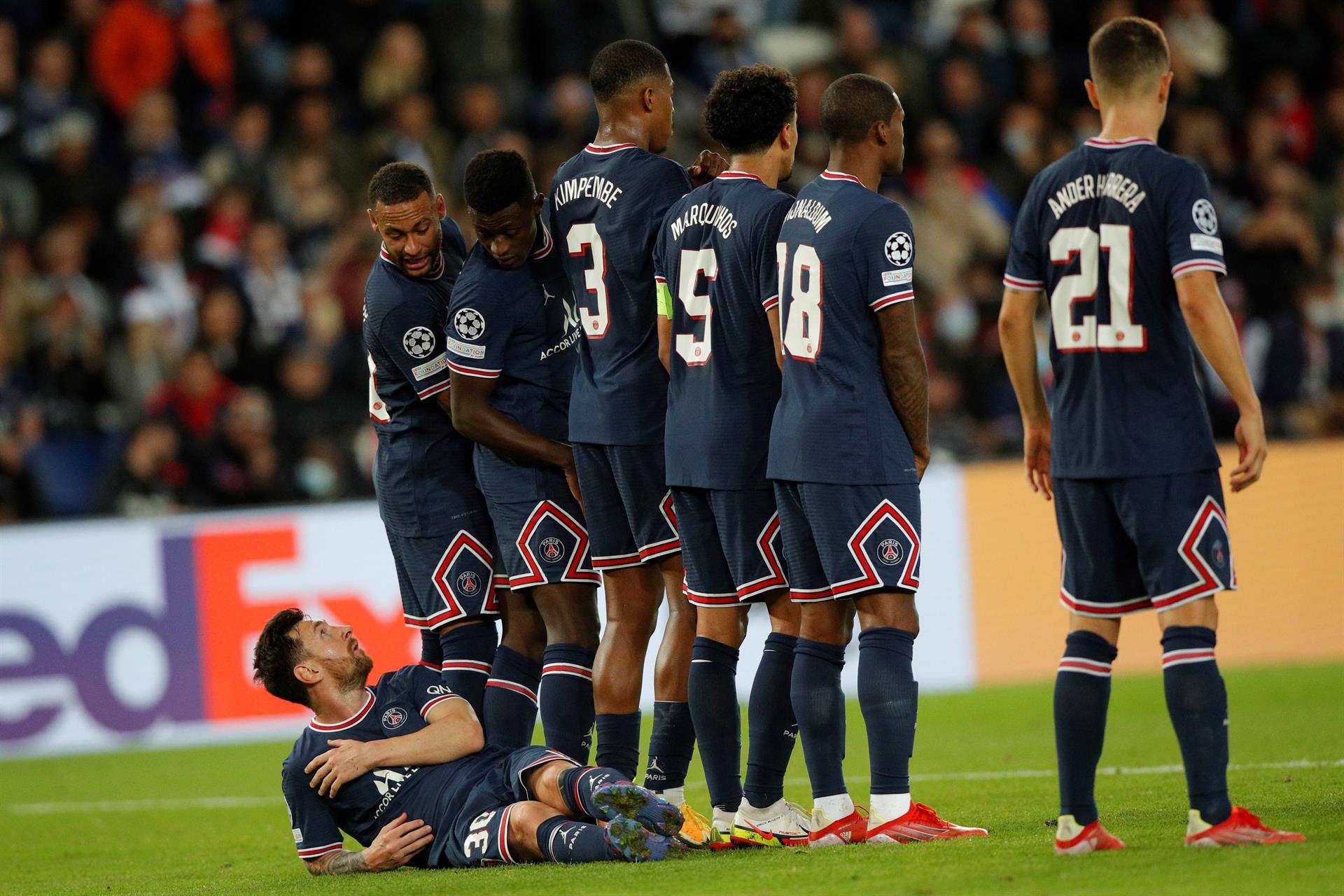 ¿Qué haces ahí Messi? fue el mensaje con el que Neymar acompaño esta imagen /Foto:EFE