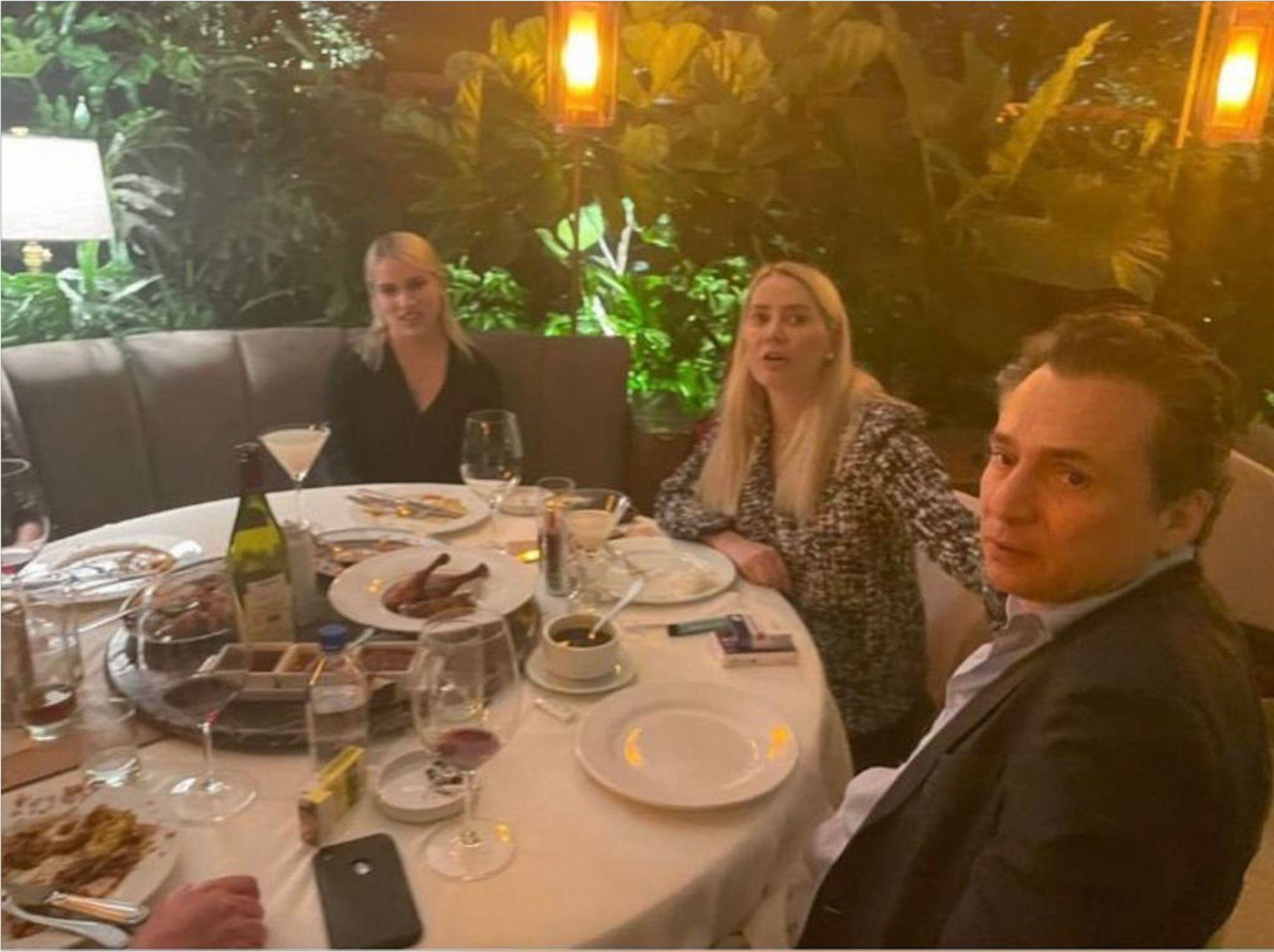 Emilio Lozoya Austin fue captado en un restaurante de la colonia Lomas de Chapultepec.FOTO: LOURDES MENDOZA Cuartosucuro