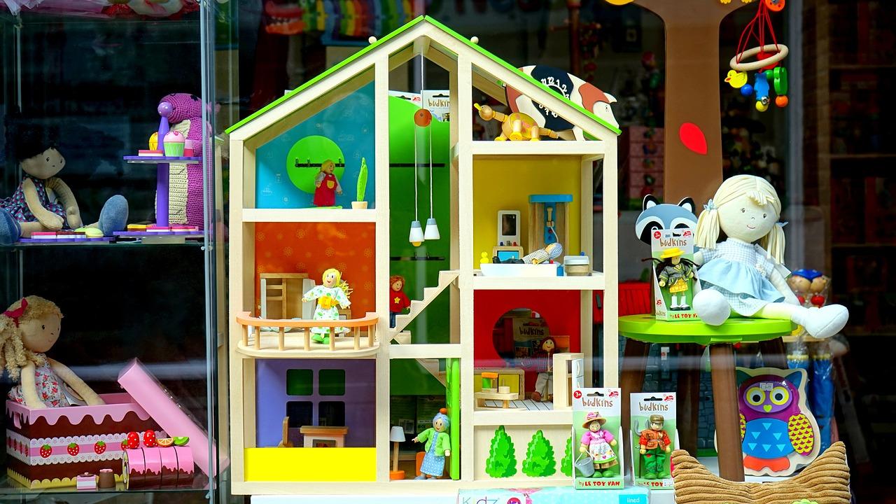 toy-store.jpg