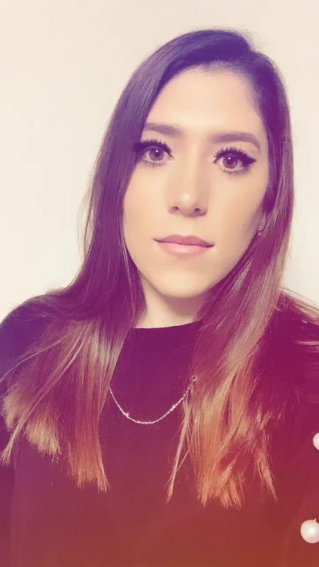 priscilarojas Instagram filter eyelashes