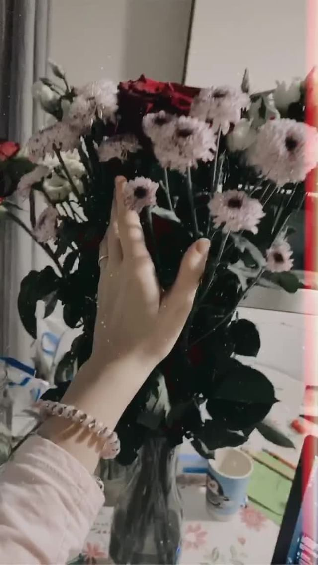 dmitrieva_eliz Instagram filter red_line