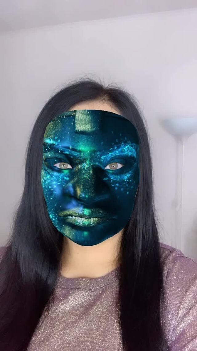 roxys_choice Instagram filter Halloween shiny face
