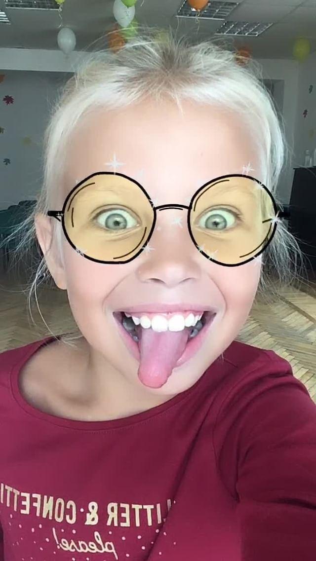 lili.mori_ Instagram filter Glasses