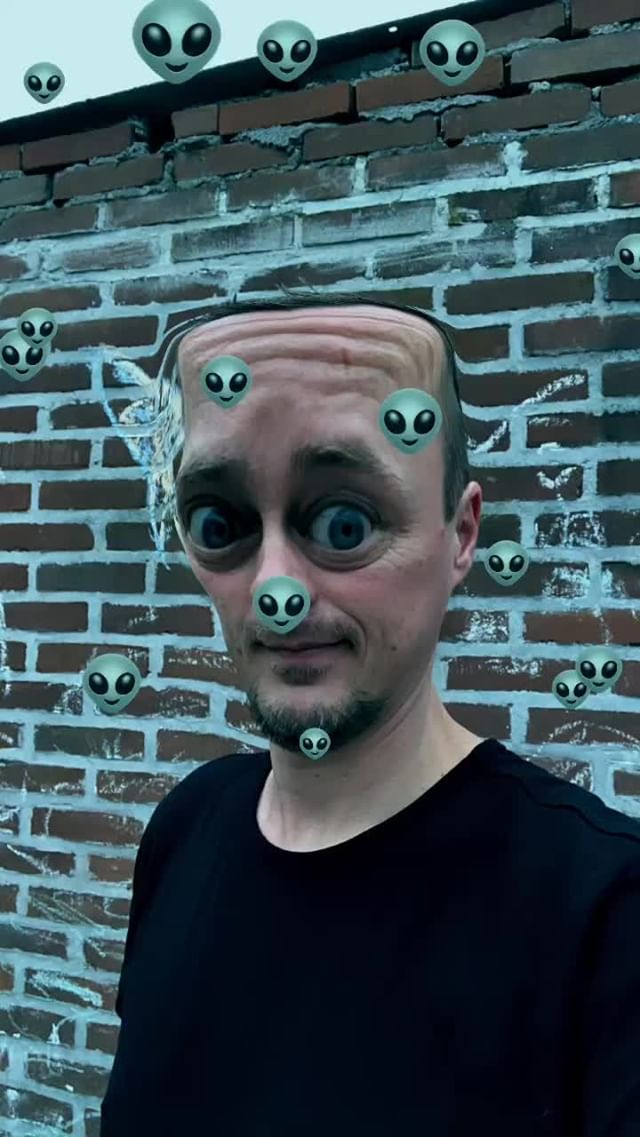 chrispelk Instagram filter Alien Emoji
