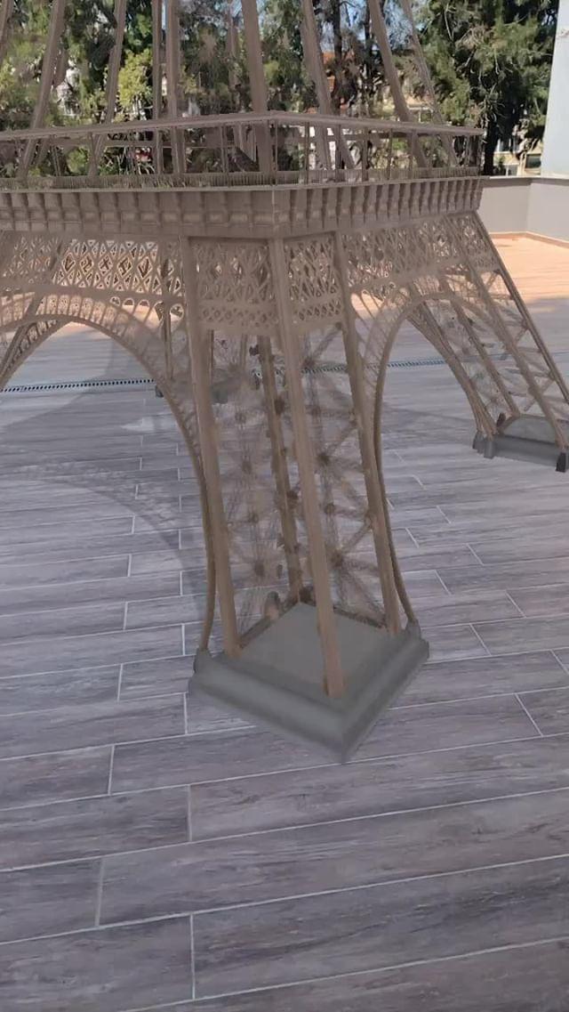 Instagram filter Eiffel Tower