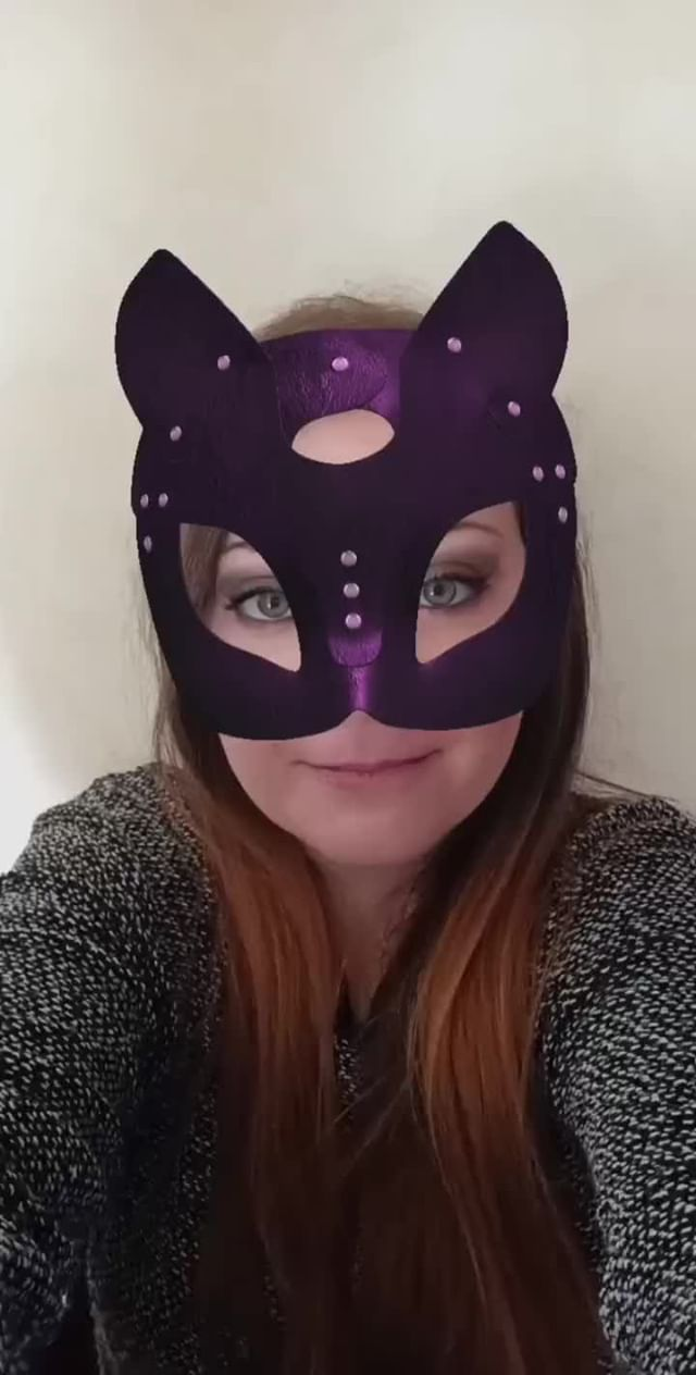 mansi_damiano Instagram filter CAT WOMAN CARNIVAL