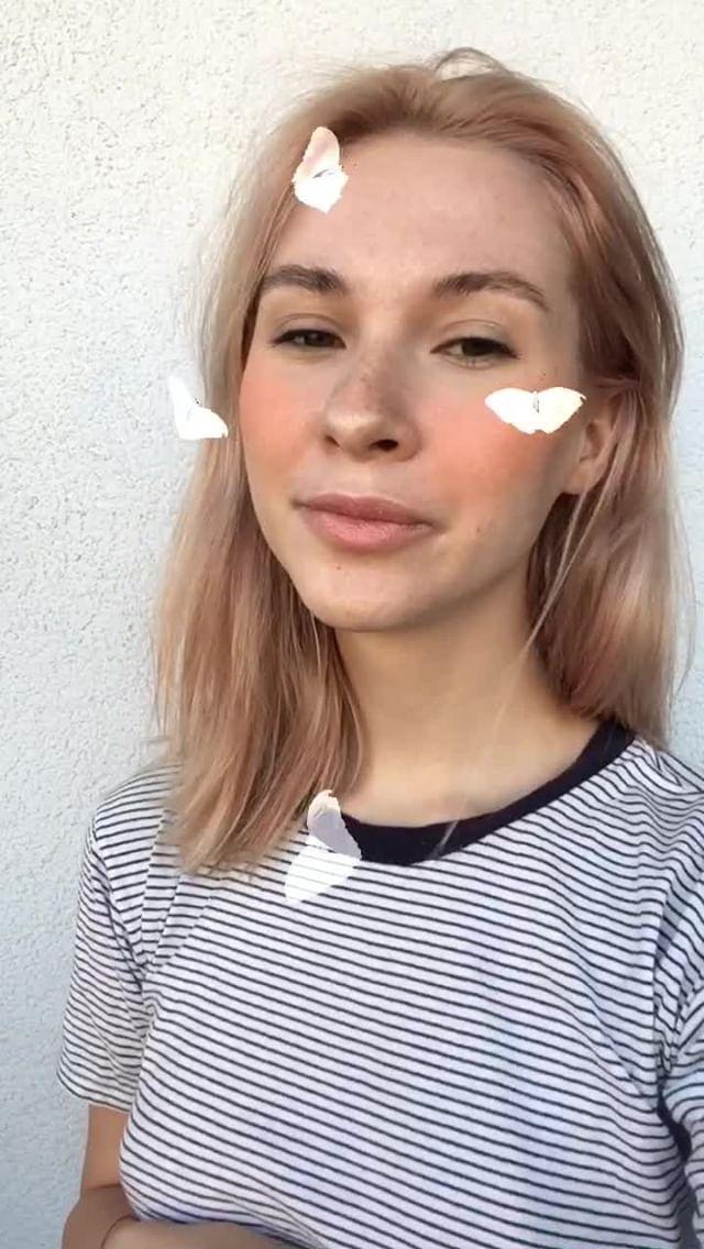 avonnokaz Instagram filter butterfly