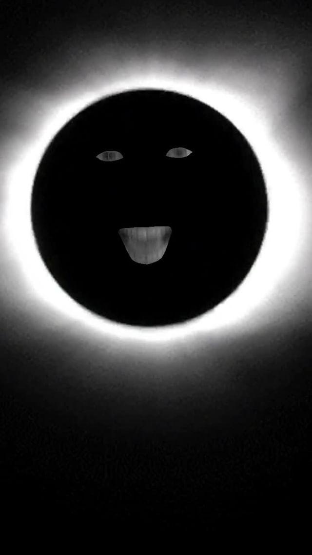 Instagram filter Total Eclipse