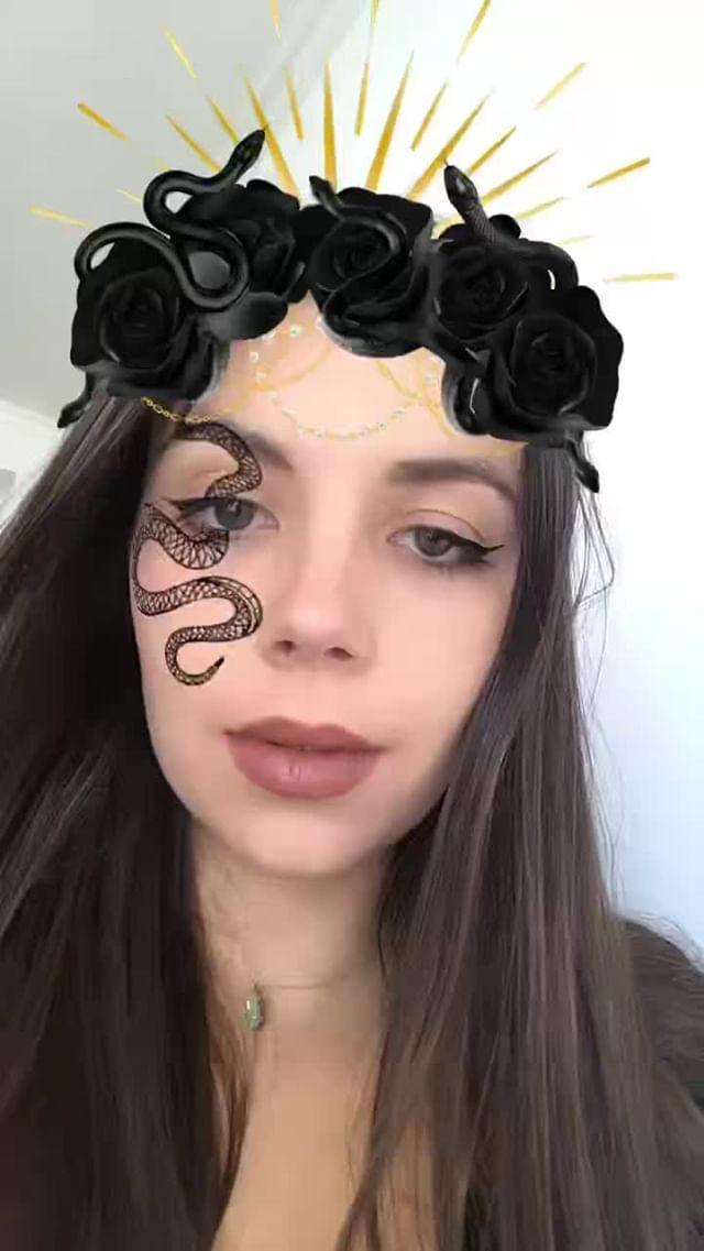 Instagram filter Snake Crown