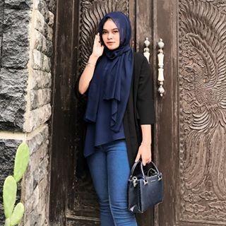 sarahekanazellaa Instagram filters profile picture