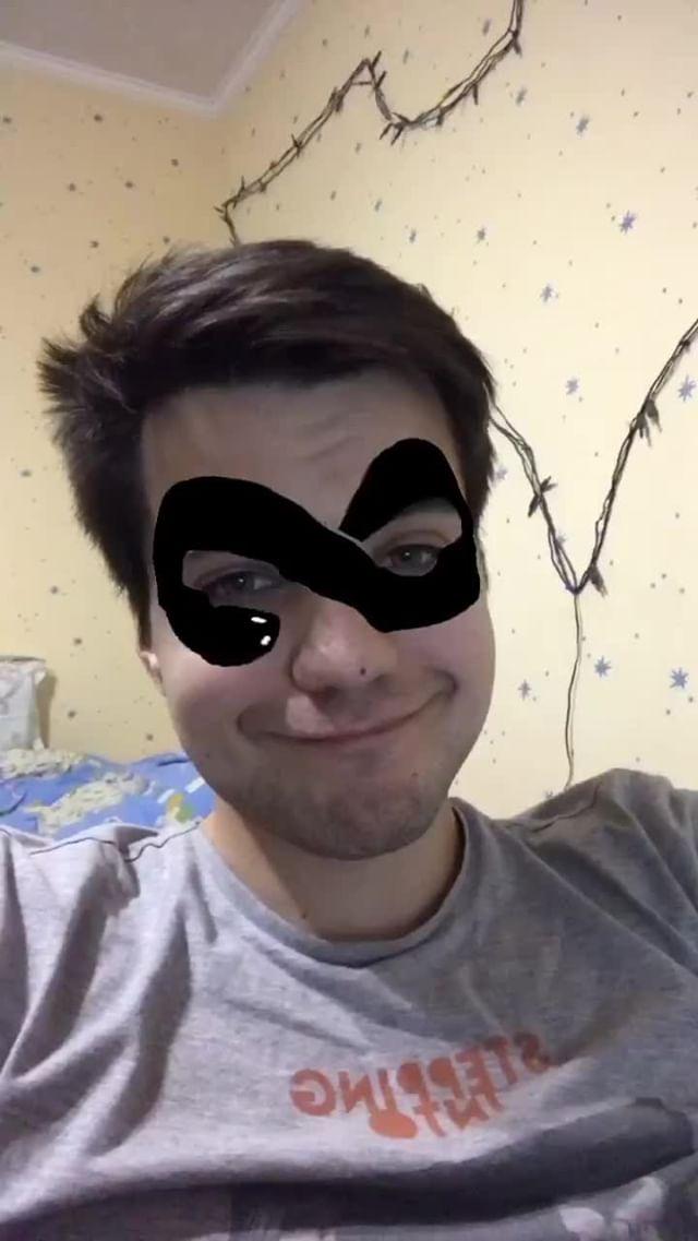 stakkerable Instagram filter Snake Eye Mask