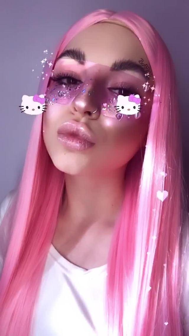 Instagram filter Barbie girl