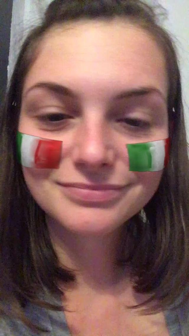 miss_liana.secret Instagram filter Italian flag