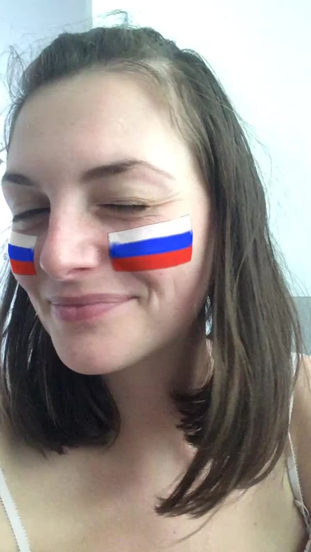 miss_liana.secret Instagram filter Russian flag