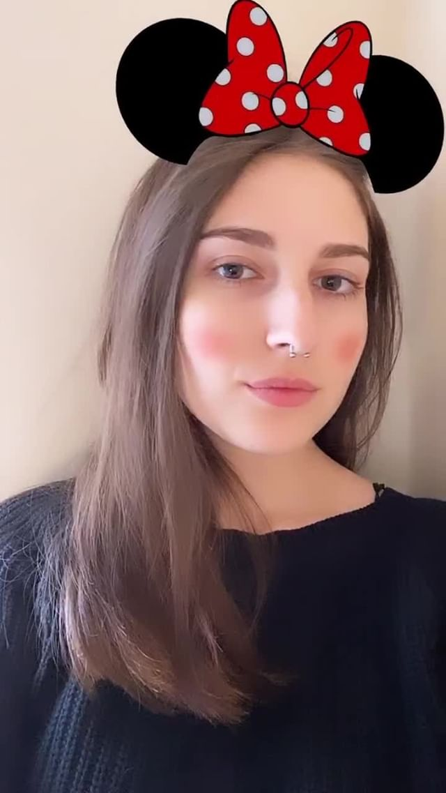 therealbezz Instagram filter MinnieMouse