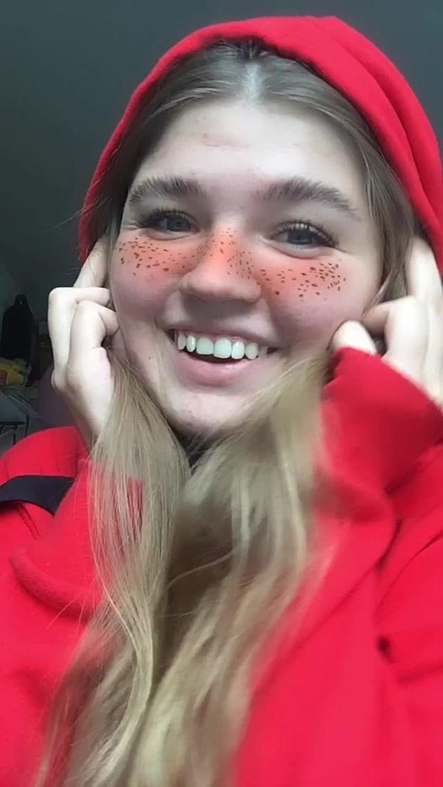 nadia_kyz Instagram filter super freckles