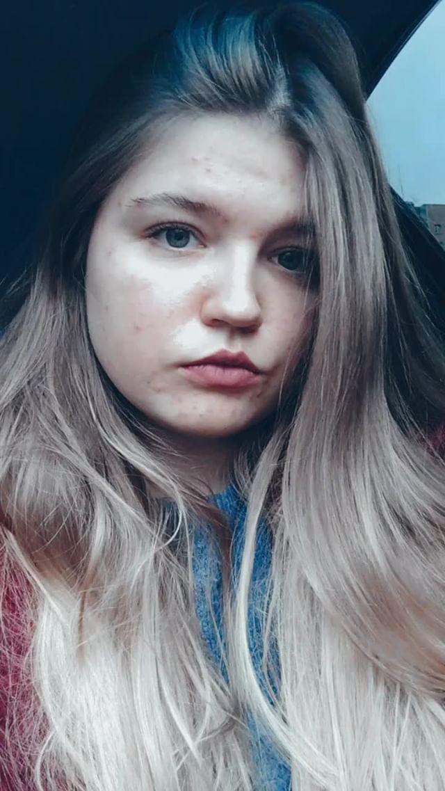 nadia_kyz Instagram filter blue effect