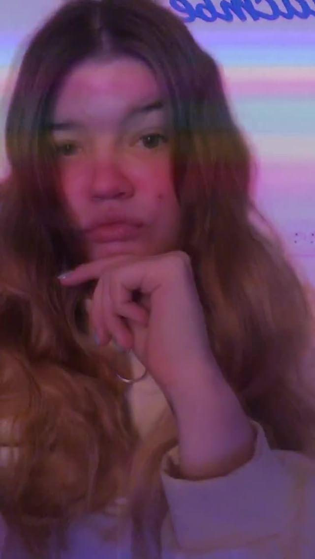 nadia_kyz Instagram filter glitch love