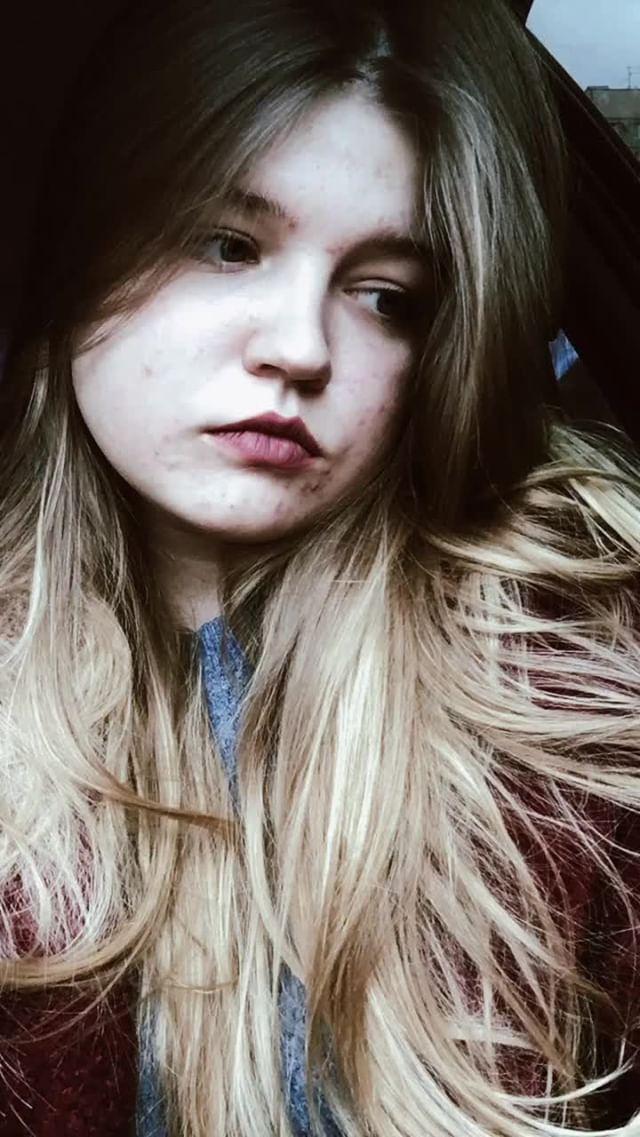 nadia_kyz Instagram filter dark lights