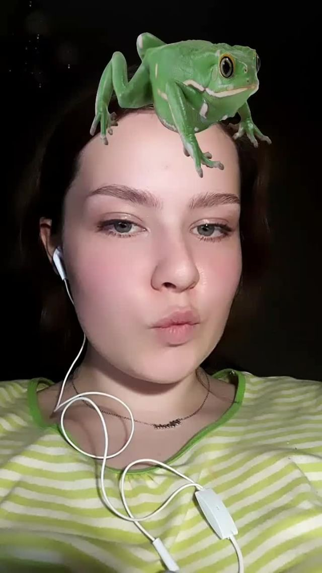 mariamilonchenko Instagram filter frrrrog