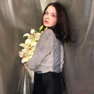 mariamilonchenko Instagram filters profile picture