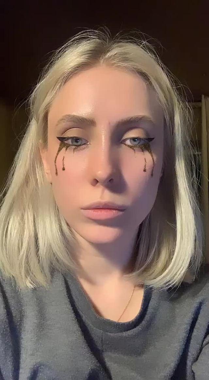 Instagram filter Glitter tears