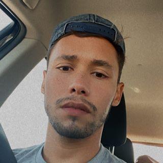 manuborrero Instagram filters profile picture