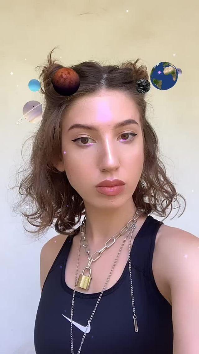 holymariia Instagram filter HOLY SUN.